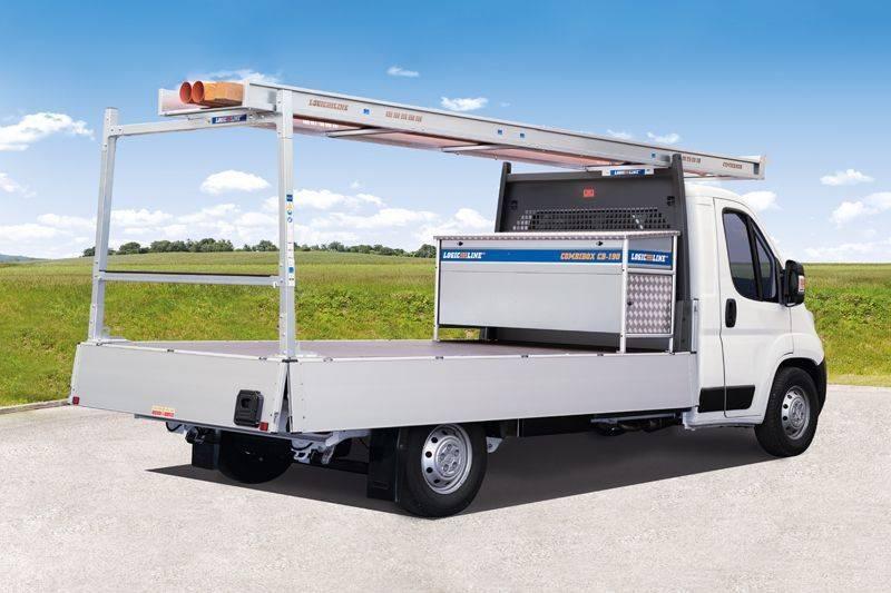 CombiRack Lastenträger mit CombiBox auf Pritschenfahrzeug